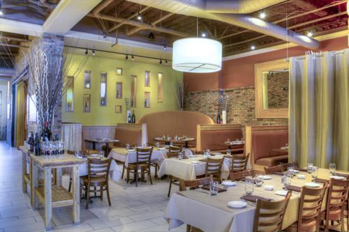 Ten22 Restaurant