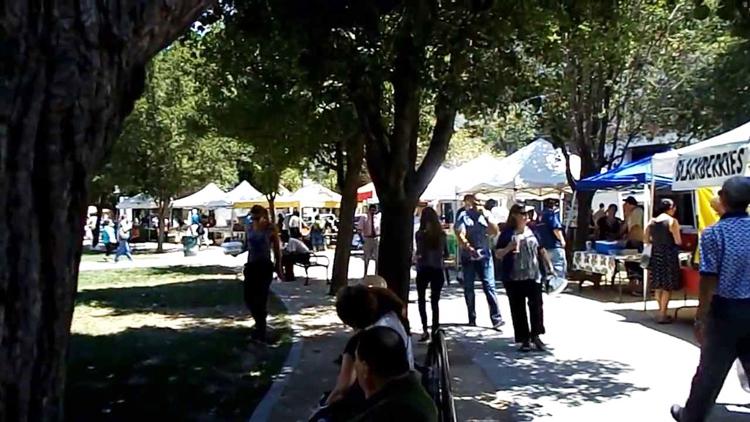 cesar chavez park farmers market