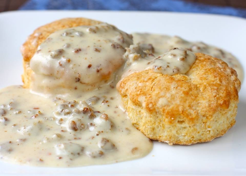 Easy on I bar and grill biscuits and gravy