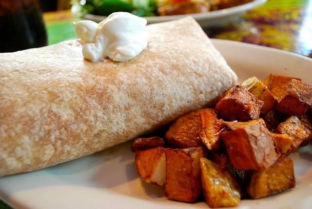 Easy on I bar and grill breakfast burrito